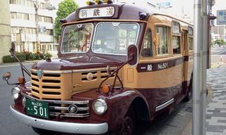 鞆の浦へいくボンネットバス